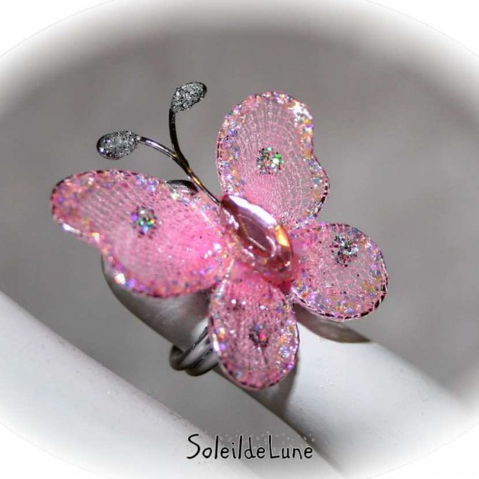 bague-papillon-rose-ajustable-fillette-demoiselle-d-honneur-communion